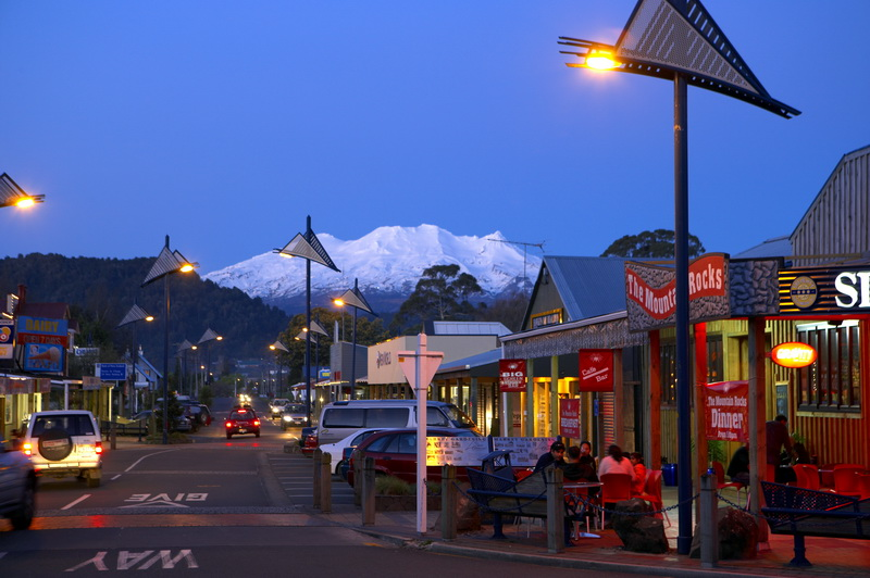 Ohakune_with_Turoa_Ski_Area_at_rear